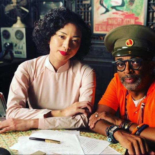 Đạo diễn thắng Oscar đăng ảnh Ngô Thanh Vân trên trường quay - Hình 1
