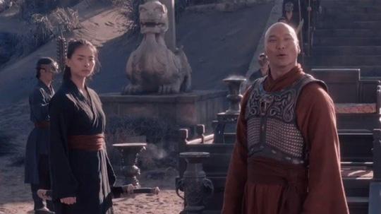 Đạo diễn thắng Oscar đăng ảnh Ngô Thanh Vân trên trường quay - Hình 2