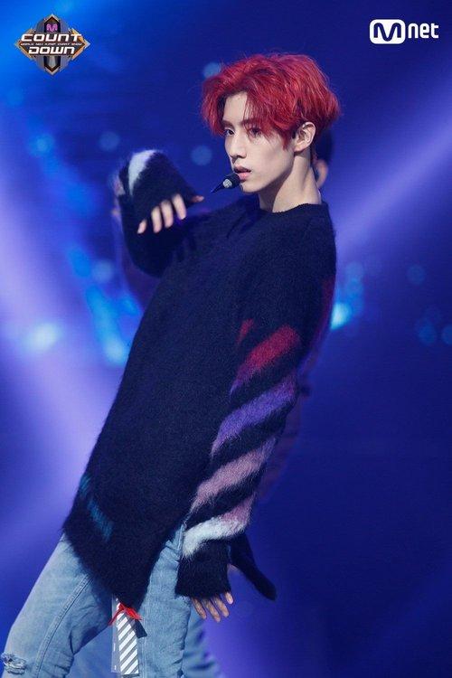 Gọi tên 7 thương hiệu thời trang khiến giới idol kpop 'chết mê chết mệt' - Hình 6