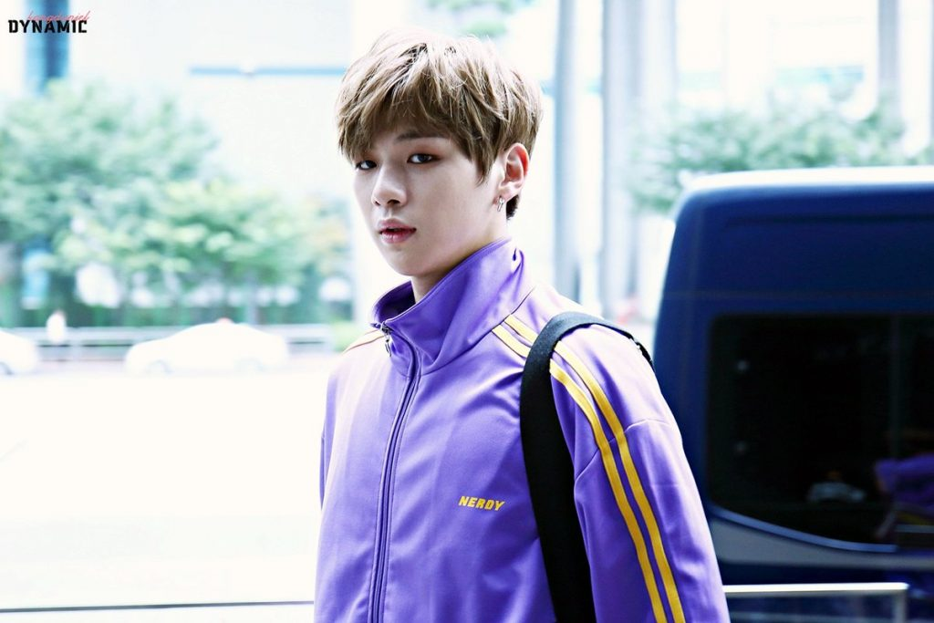 Gọi tên 7 thương hiệu thời trang khiến giới idol kpop 'chết mê chết mệt' - Hình 18