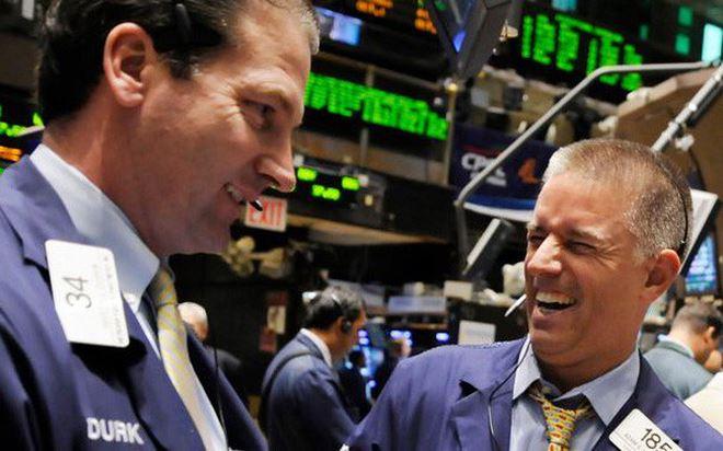 Khối ngoại bán ròng mạnh gần 1.000 tỷ đồng trong tuần giao dịch khởi sắc - Hình 1
