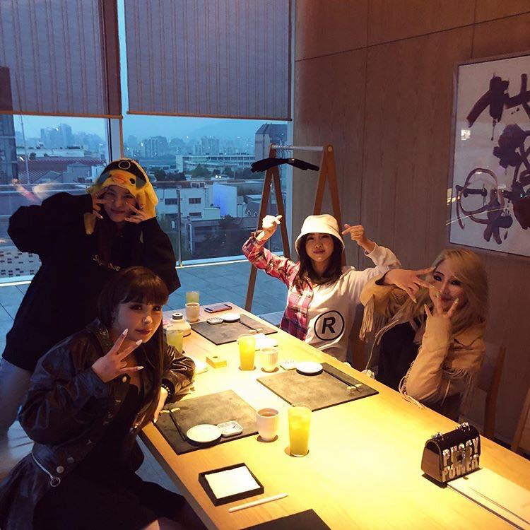Kim Woo Bin vui vẻ đi du lịch cùng Jo In Sung và Lee Kwang Soo sau thời gian điều trị ung thư - Hình 4