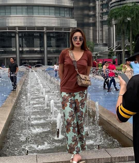 Kỳ Duyên khoe street style xuề xòa như bà đẻ giữa dàn mỹ nhân lên đồ gợi cảm ngày hè - Hình 9