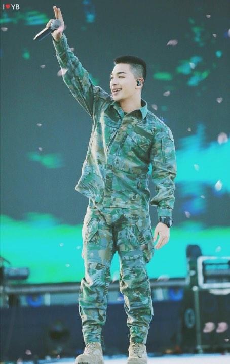 Mừng sinh nhật tuổi 32 của Taeyang: Mặt trời trong lòng Big Bang và V.I.P - Hình 14