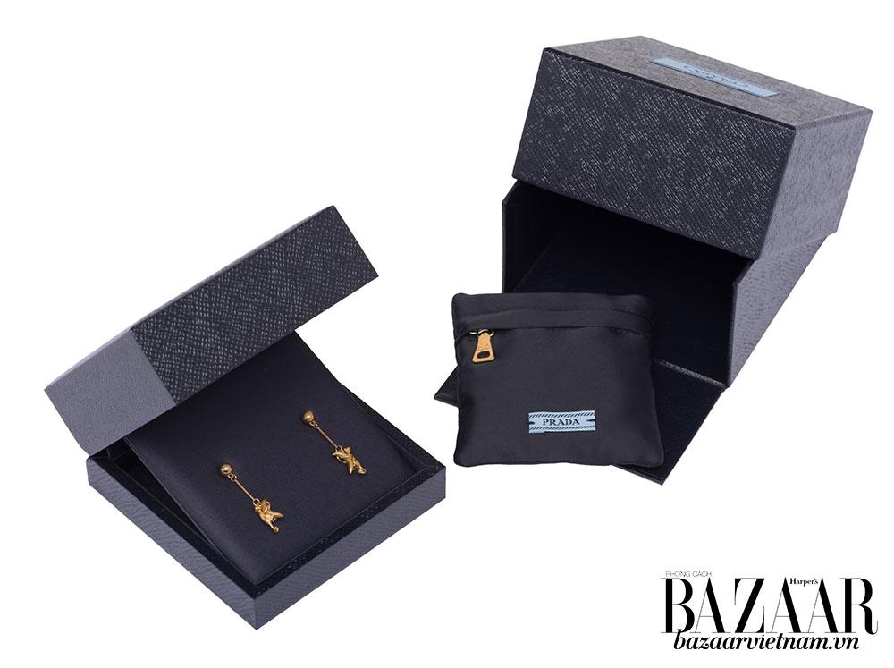 Prada lần đầu tiên tung ra bộ trang sức cao cấp bằng vàng thật - Hình 6