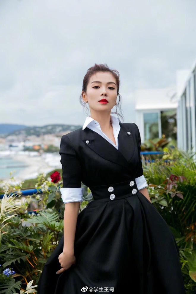 Sự kiện bên lề Cannes: Ming Xi - Sui He cạnh tranh sắc vóc khốc liệt, Lưu Đào - Quan Hiểu Đồng chẳng chịu lép vế - Hình 13