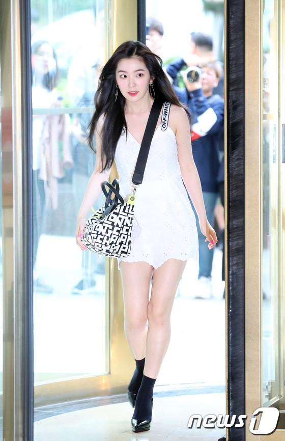Sự kiện hội tụ dàn mỹ nhân mỹ nam mướt mắt: Nữ thần Irene chiếm trọn spotlight vì đôi chân ngọc ngà - Hình 1