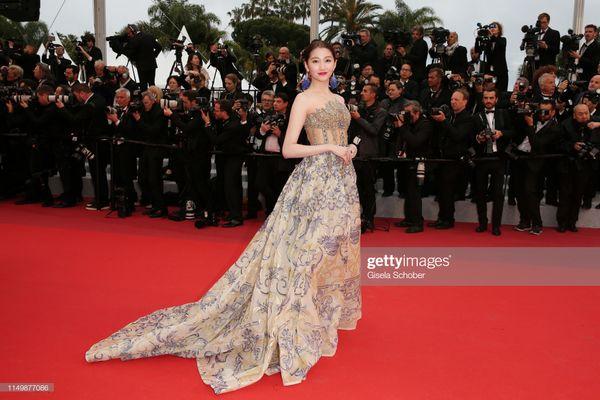 Thảm đỏ Cannes 2019 ngày 4: Sao Thái đọ sắc Hoa ngữ, Chompoo Araya hay Quan Hiểu Đồng nổi bật? - Hình 9