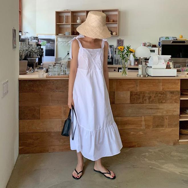 Việc lên đồ ngày nóng chẳng còn là cực hình với 10 gợi ý váy vóc max xinh và mát rười rượi này - Hình 3