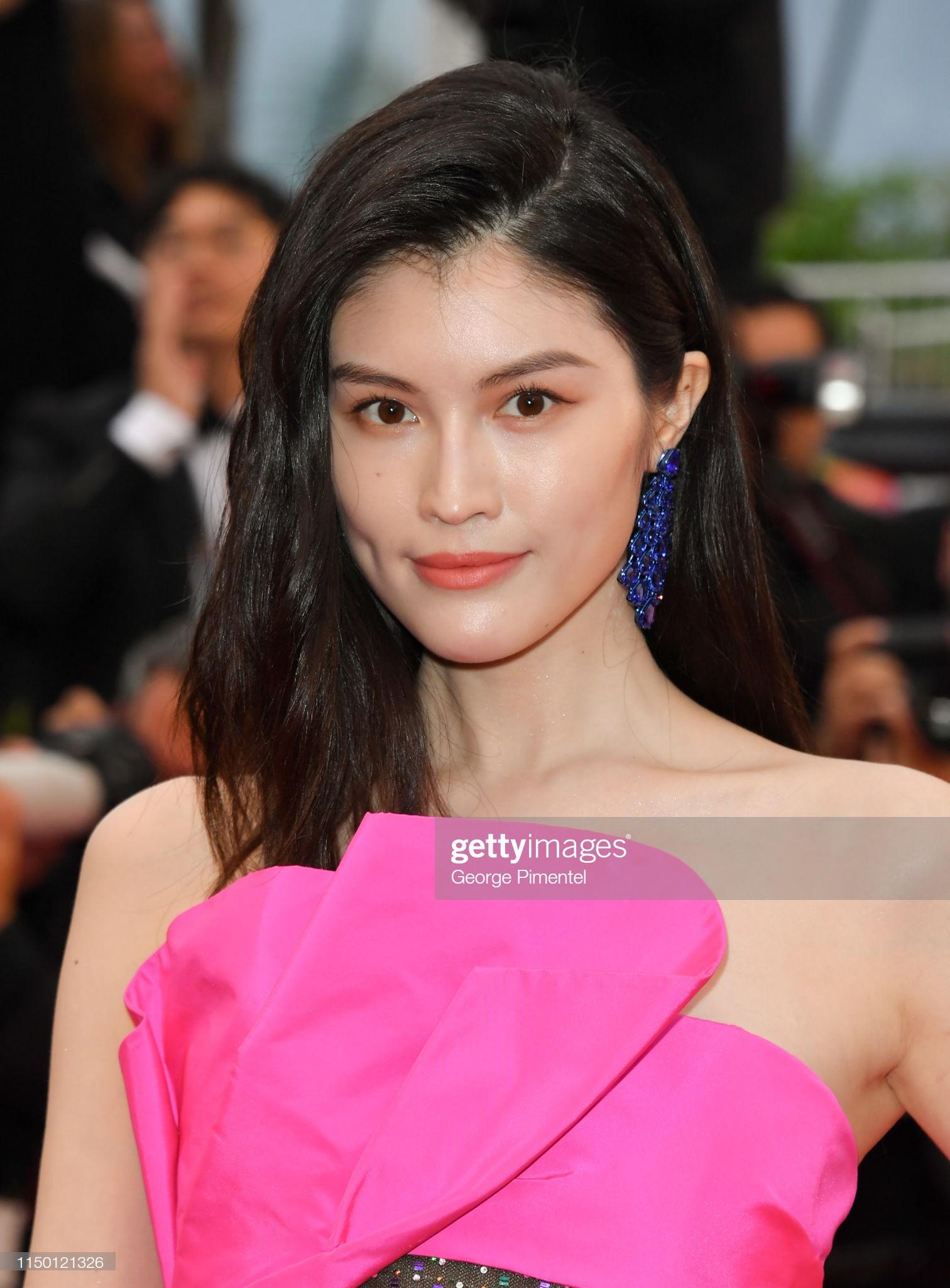 2 thái cực của 2 chân dài Victorias Secret Trung Quốc tại Cannes: Ming Xi như công chúa, Sui He phô phang đến bức người - Hình 11