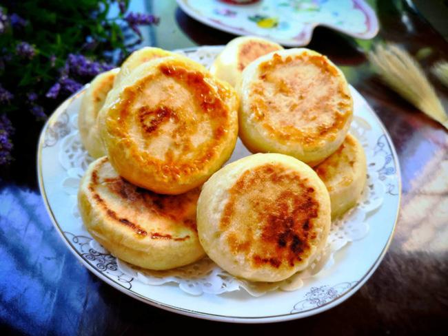 Chẳng cần lò nướng vẫn làm được bánh dứa xốp mềm ngọt thơm ăn vặt mùa hè - Hình 6