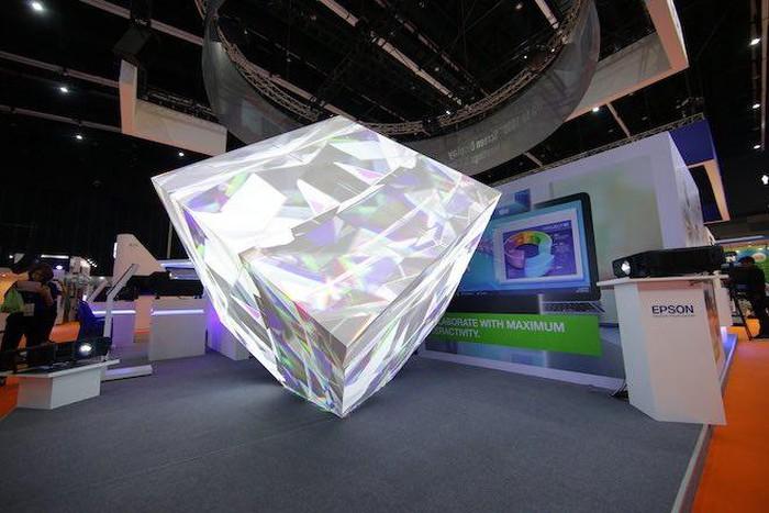 Epson giới thiệu máy chiếu có độ sáng khủng nhất thế giới, 30.000 lumens - Hình 2