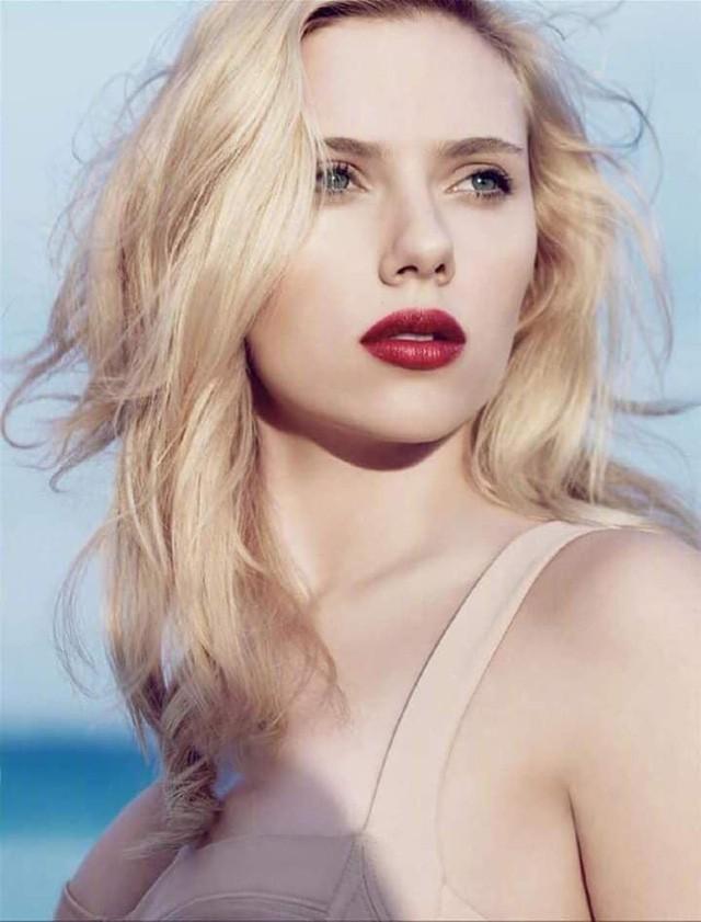 Góa phụ đen Scarlett Johansson: Biểu tượng gợi cảm của Hollywood nhưng vẫn thất bại sau 2 cuộc hôn nhân ngắn ngủi - Hình 11