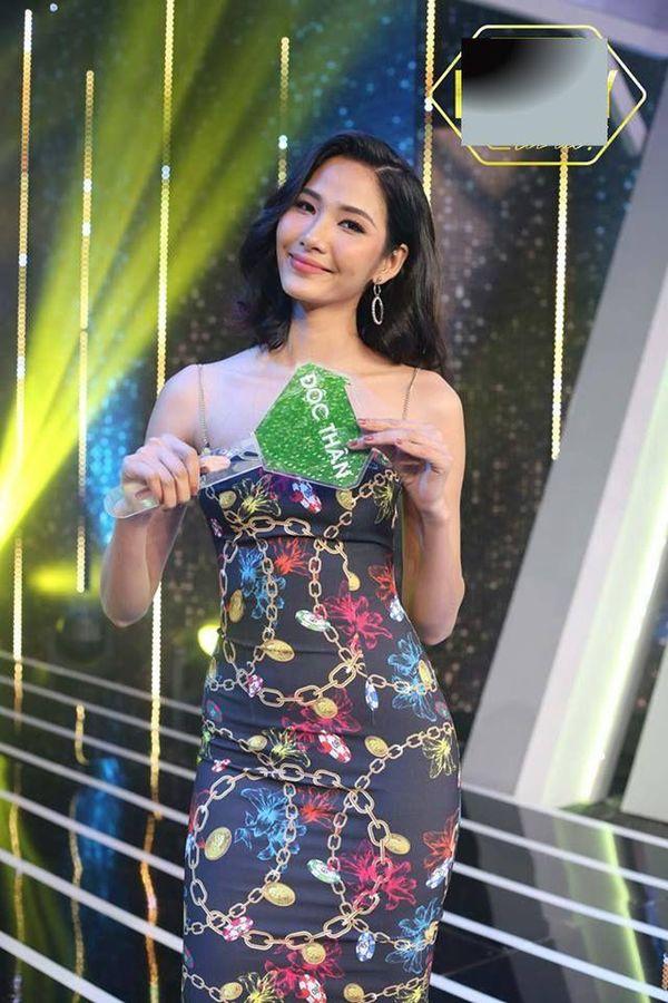 Hoàng Thùy - nữ hoàng thống trị váy áo 2 dây của làng thời trang Việt - Hình 8