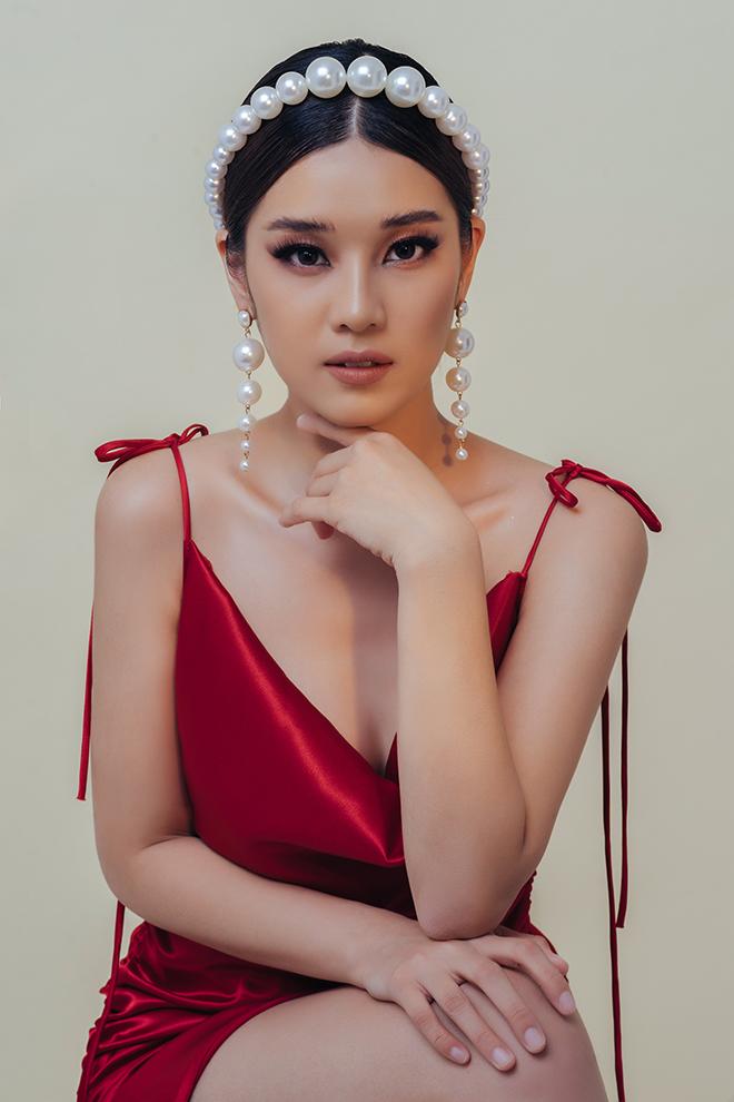 Hoàng Yến Chibi diện áo hai dây hững hờ, khẳng định không còn ngây thơ - Hình 2