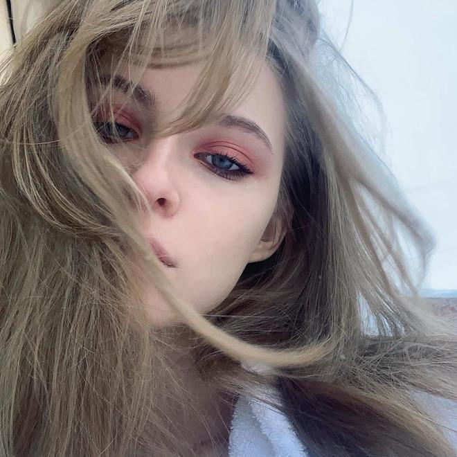 Hot girl Nga được dân mạng gọi là công chúa lạnh lùng - Hình 4