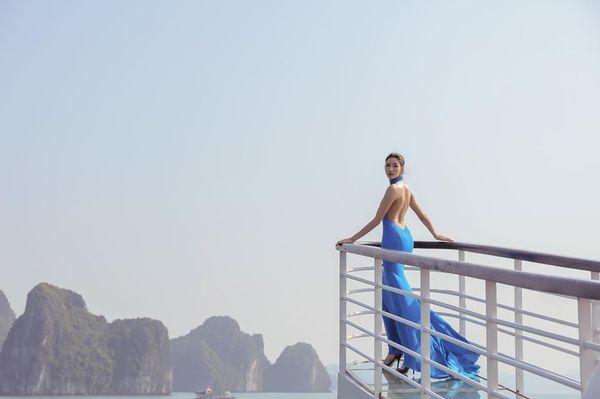 Mặc váy hở khoe trọn rãnh lưng đẹp xuất sắc, Hoàng Thùy khiến fan loạn nhịp tim - Hình 6