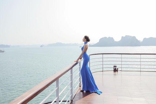 Mặc váy hở khoe trọn rãnh lưng đẹp xuất sắc, Hoàng Thùy khiến fan loạn nhịp tim - Hình 4