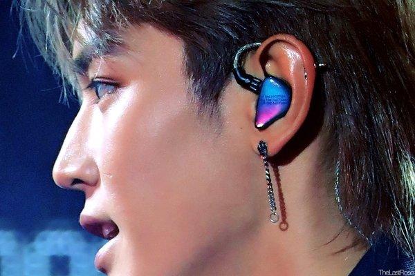 Ngắm bộ sưu tập In-Ear Monitors xinh xắn nhất của các thần tượng Kpop - Hình 13