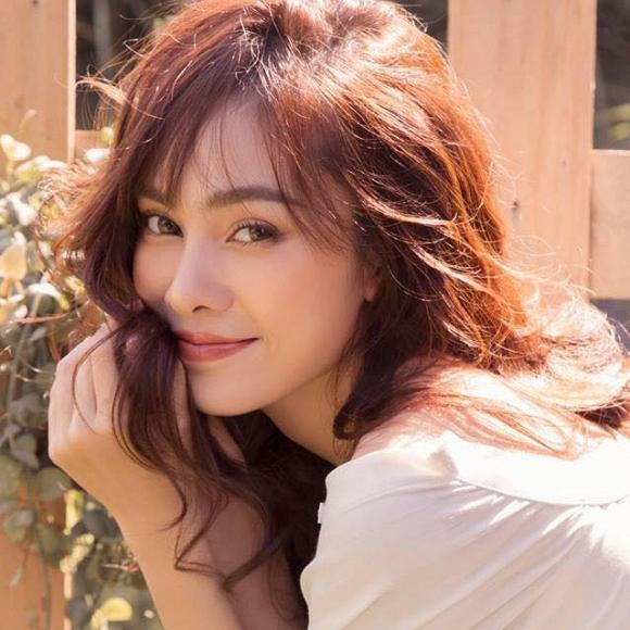 Nhan sắc của nữ ca sĩ trẻ sắp trở thành chị vợ Dương Khắc Linh - Hình 12