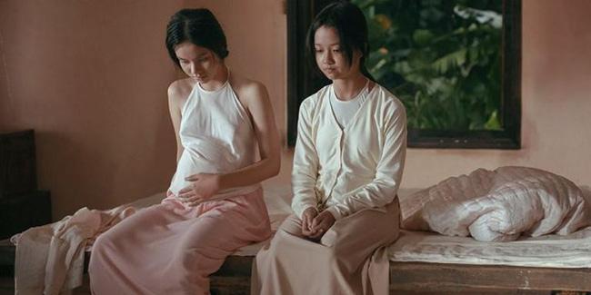 Nhân vụ nữ diễn viên 15 tuổi đóng phim gây sốc, fan đào lại cảnh cởi áo năm 16 tuổi của Lưu Diệc Phi - Hình 6