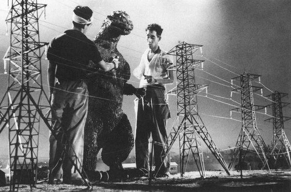 Những lần chúa tể quái vật Godzilla gieo rắc kinh hoàng trong các bộ phim điện ảnh - Hình 2