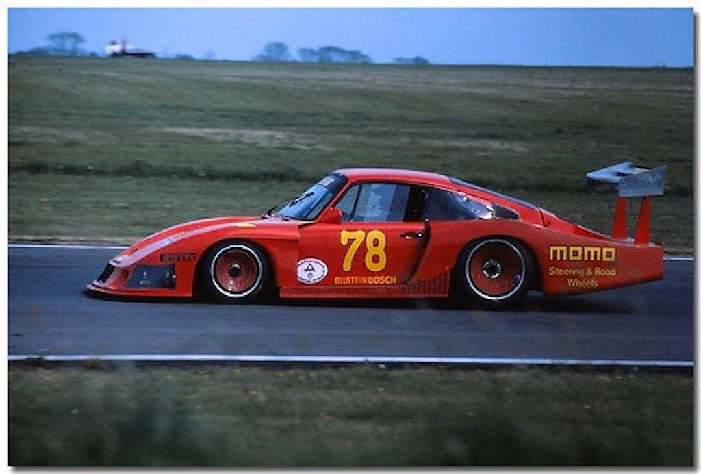 Porsche vinh danh lịch sử xe đua bằng tem đấu trên 935 Clubsport - Hình 11