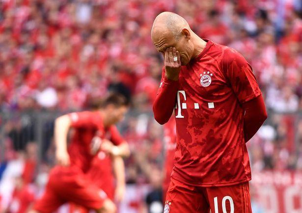 Robben và Ribery khóc trong lần cuối khoác áo Bayern Munich - Hình 4