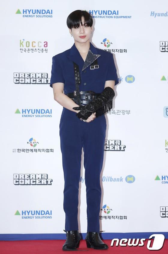 Thảm đỏ Dream Concert 2019: Park Bom lên cân nhưng vẫn chiếm spotlight của Red Velvet và cả dàn nữ thần Kpop - Hình 24