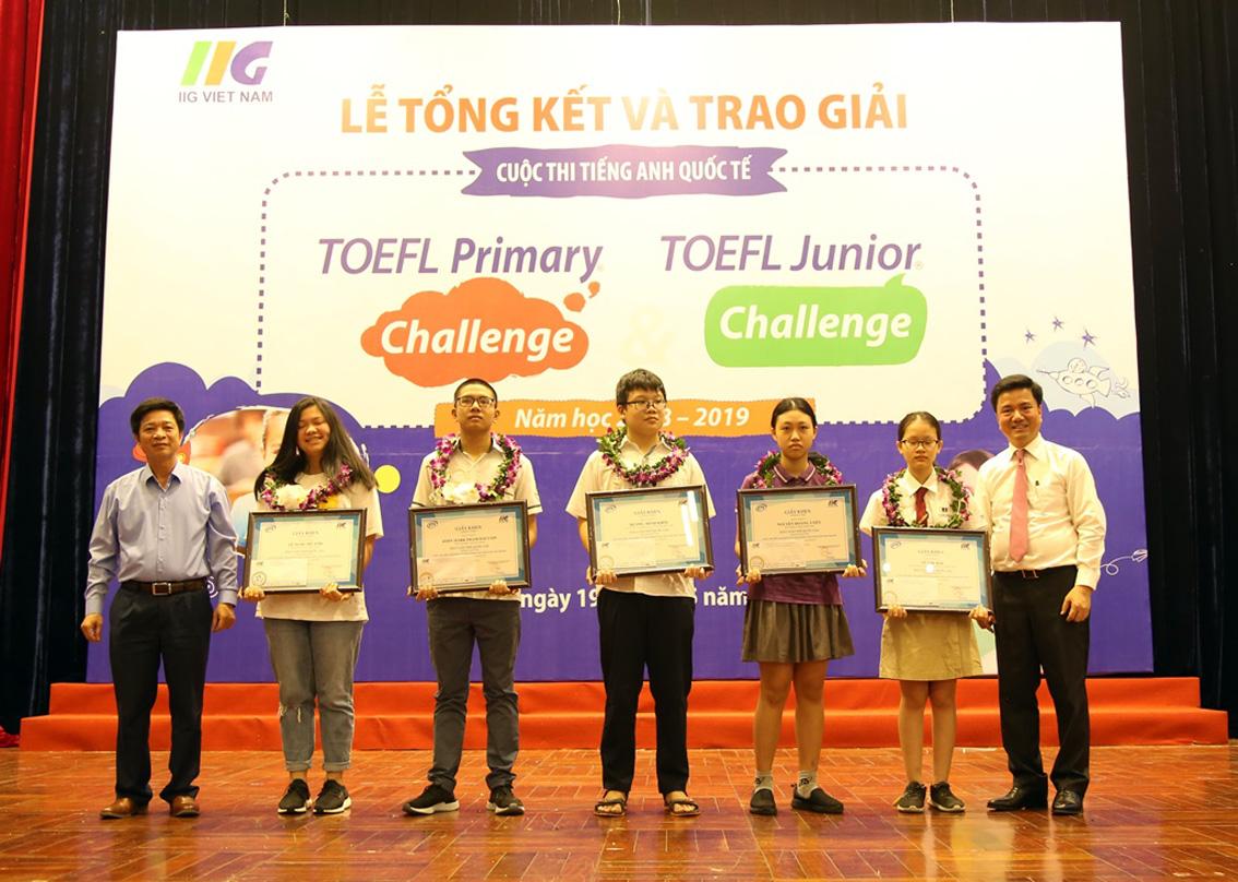 Trao giải cuộc thi tiếng Anh quốc tế TOEFL năm học 2018 - 2019 - Hình 3