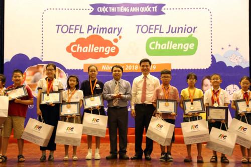 Trao giải cuộc thi tiếng Anh quốc tế TOEFL năm học 2018 - 2019 - Hình 1