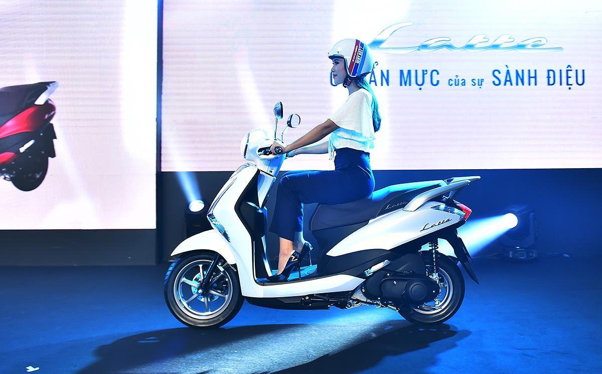 Video đánh giá Yamaha Latte 125 cốp siêu rộng, giá 37,9 triệu đồng, quyết đấu Honda LEAD - Hình 4
