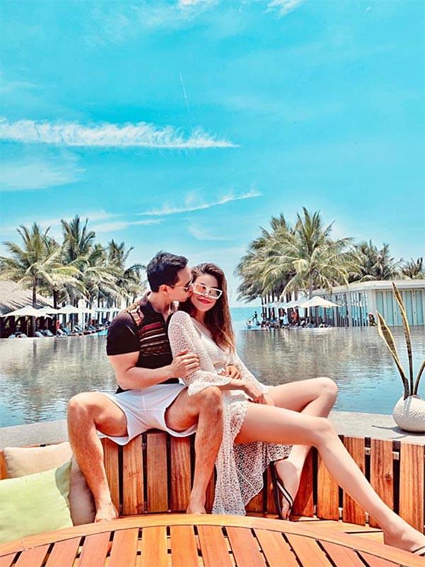 Loạt ảnh bikini gợi cảm của Hồ Ngọc Hà khi đi du lịch cùng Kim Lý - Hình 1
