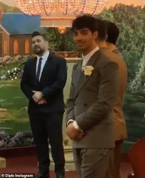 Tổ chức hôn lễ ngay sau Billboard Music Awards, cặp đôi cưới thần tốc nhất Hollywood gọi tên Joe Jonas - Sophie Turner - Hình 2