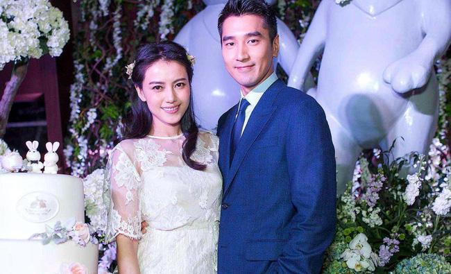 6 cặp đôi tình chị duyên em nổi tiếng Cbiz: Hồng Hân hơn Trương Đan Phong 10 tuổi nhưng chưa bằng trùm cuối này - Hình 4