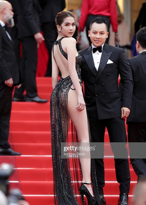 Ban tổ chức LHP Cannes chấp nhận trang phục của Ngọc Trinh - Hình 1