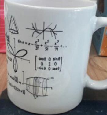 Cô giáo Anh tặng học sinh bánh quy trang trí công thức toán - Hình 2