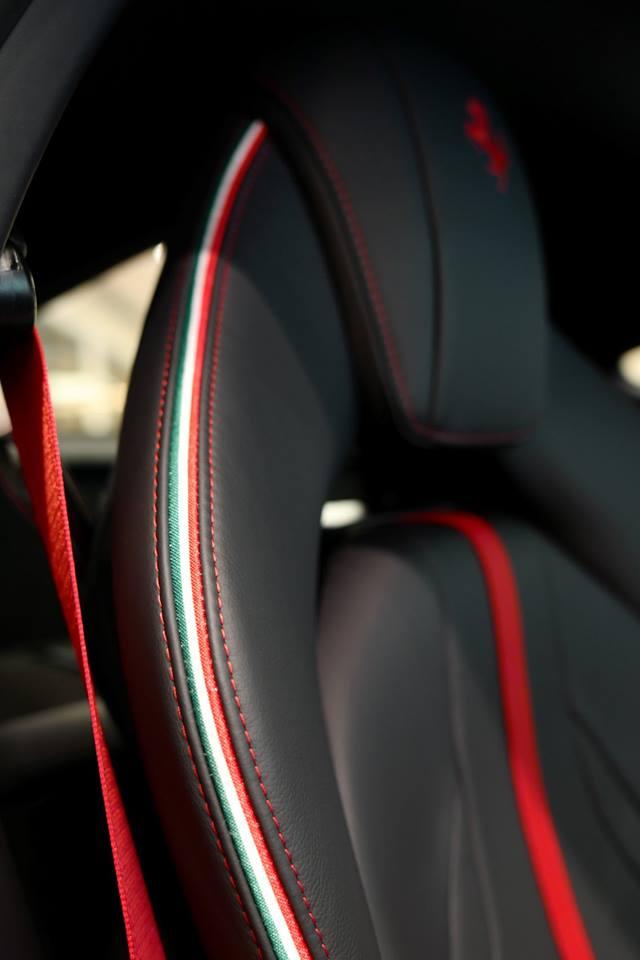 Đại gia Hồng Kông chịu chơi khi mua Ferrari 812 Superfast theo phiên bản Tailor Made, giá 21 tỷ đồng - Hình 6