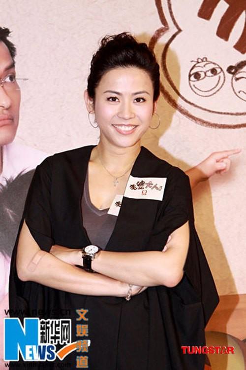 Đại Hoa đán TVB Tuyên Huyên: Xinh đẹp, thành công và nỗi cô đơn ở tuổi 48 - Hình 2