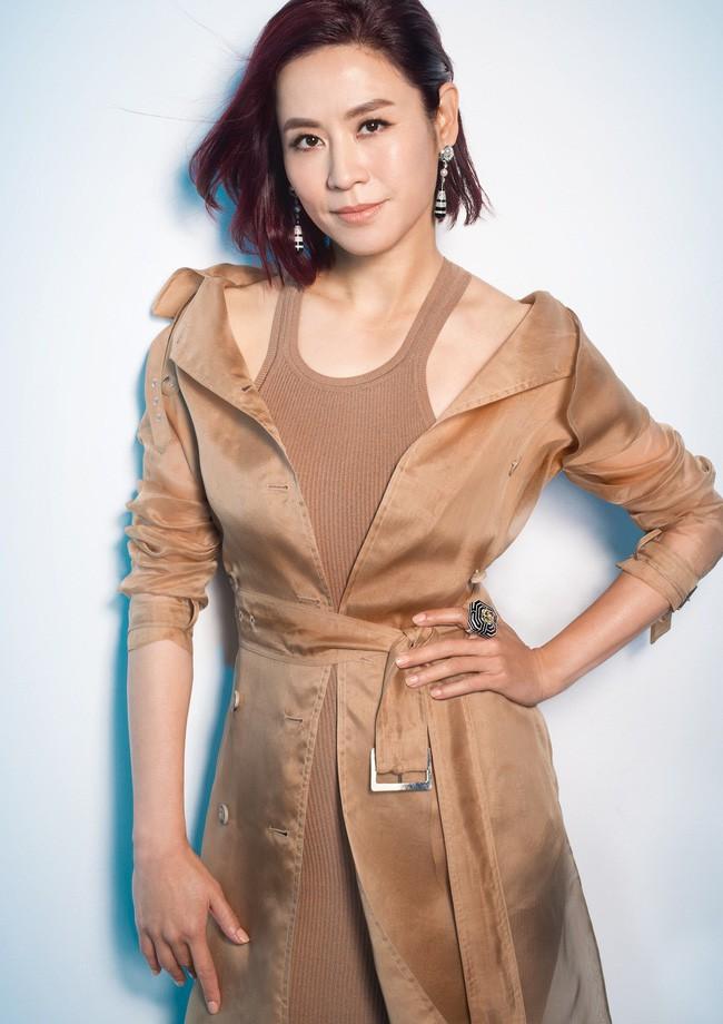 Đại Hoa đán TVB Tuyên Huyên: Xinh đẹp, thành công và nỗi cô đơn ở tuổi 48 - Hình 7