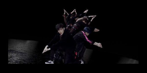 GOT7 trở lại với MV ECLIPSE - Sự giao thoa tuyệt vời đầy ám ảnh giữa ánh sáng và bóng tối! - Hình 3