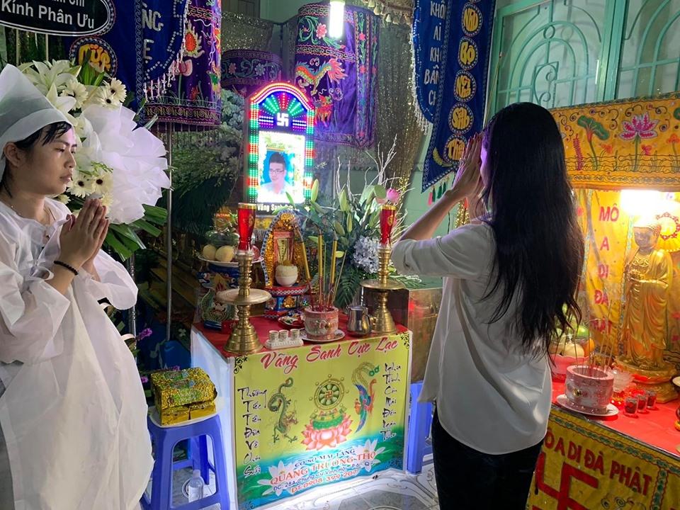 Long Nhật đeo khăn tang, thất thần trong đám tang ca sĩ Vương Bảo Tuấn - Hình 6