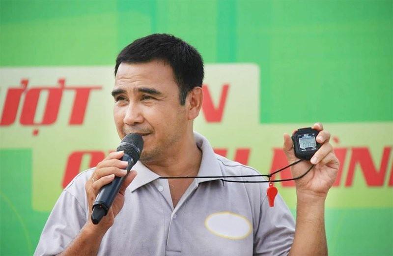 MC quốc dân Quyền Linh từng gian lận để giúp người nông dân xóa nợ - Hình 3