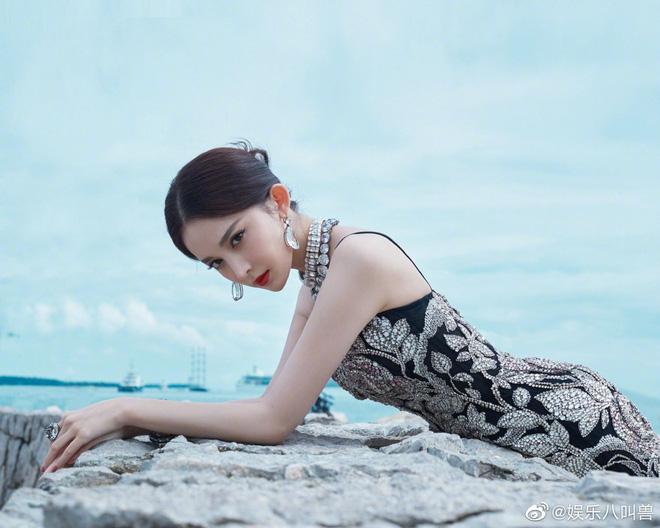 Mỹ nhân bị nhầm với Ngọc Trinh: Nàng công chúa Hoa ngữ đẹp ná thở tại Cannes bất chấp ảnh không photoshop - Hình 13