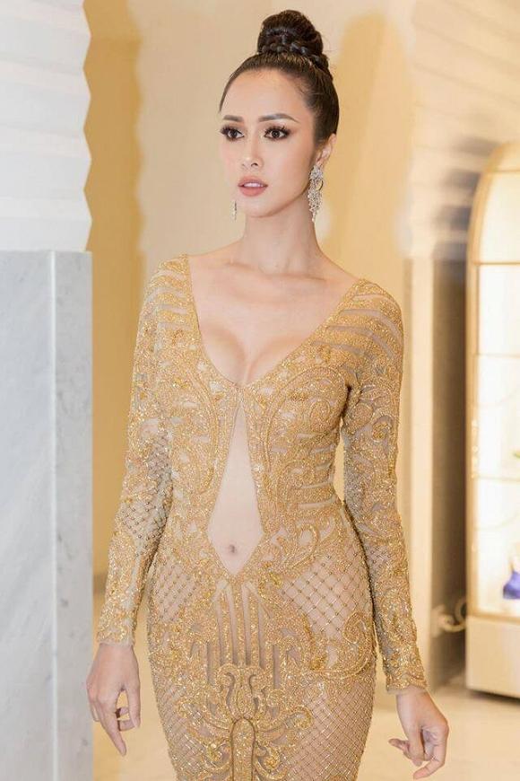 Ngoài Ngọc Trinh, đây là những chiếc váy gây sốc nhất lịch sử thảm đỏ LHP Cannes, có bộ còn hở 80-90% cơ thể - Hình 14