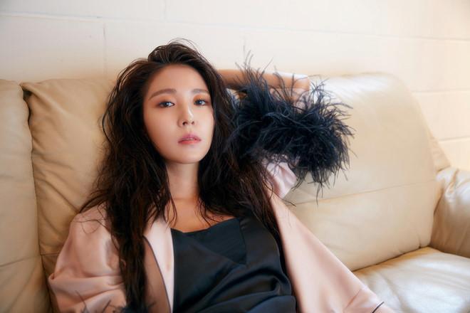 Nhan sắc, sự nghiệp Lee Hyori và các nữ thần Kpop đầu tiên giờ ra sao? - Hình 17