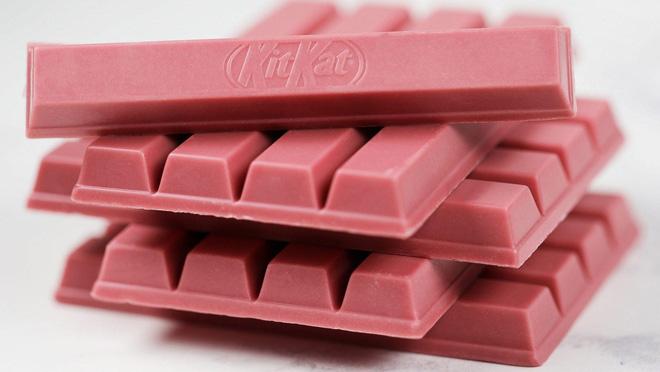Nhật Bản quả không hổ là thánh địa Kit Kat, đến cả vị đá quý như ruby hồng ngọc cũng có - Hình 1
