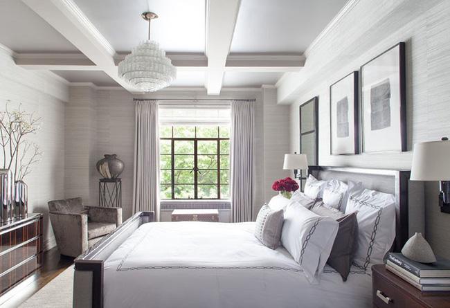 Nhẹ nhàng, đơn giản là thế nhưng một phòng ngủ đơn sắc trắng vẫn là niềm yêu thích của biết bao chị em - Hình 7