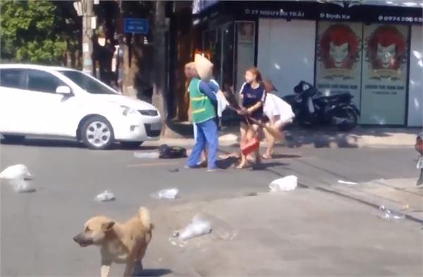 Tâm sự nghẹn ngào của nữ lao công bị chủ shop tẩn giữa trời nắng gần 40 độ C - Hình 5