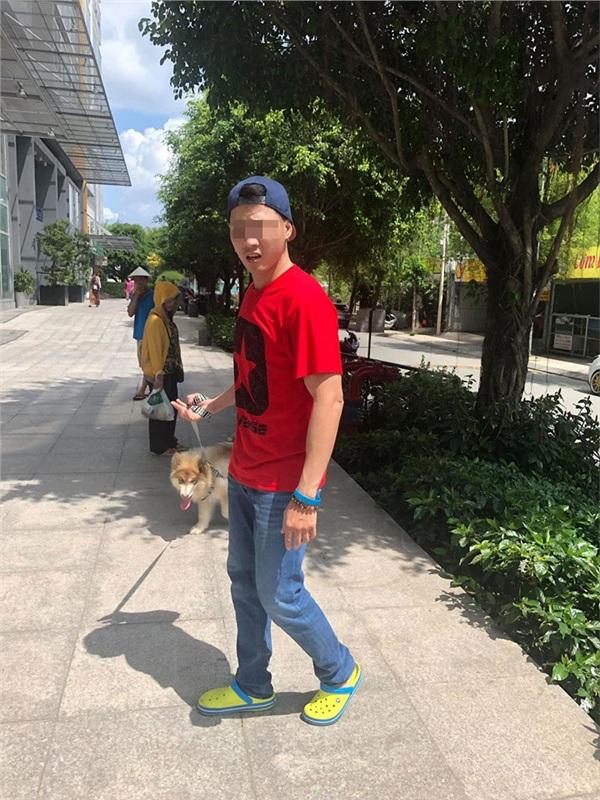 Thanh niên Việt kiều dắt chó đi dạo không rọ mõm lên tiếng: Khinh tôi, tôi mới chửi - Hình 2